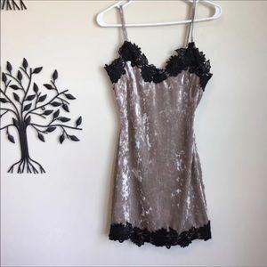 One way velvet lace dress